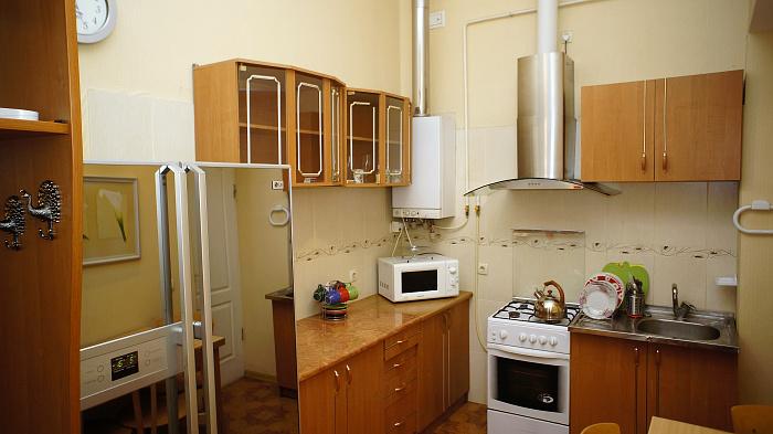 2-комнатная квартира посуточно в Одессе. ул. Маразлиевская, 38. Фото 1