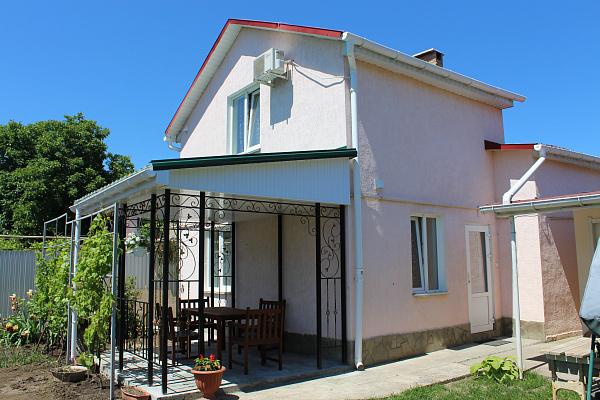 Дом  посуточно в Одессе. Киевский район, ул. Дача Ковалевского, 90. Фото 1