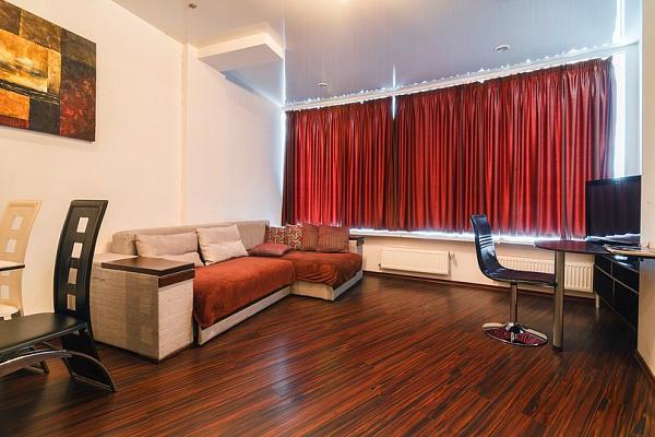 2-комнатная квартира посуточно в Днепропетровске. Октябрьский район, ул. Глинки, 2. Фото 1
