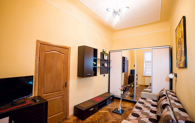 2-комнатная квартира посуточно в Львове. Галицкий район, ул. Августина Волошина, 4. Фото 1