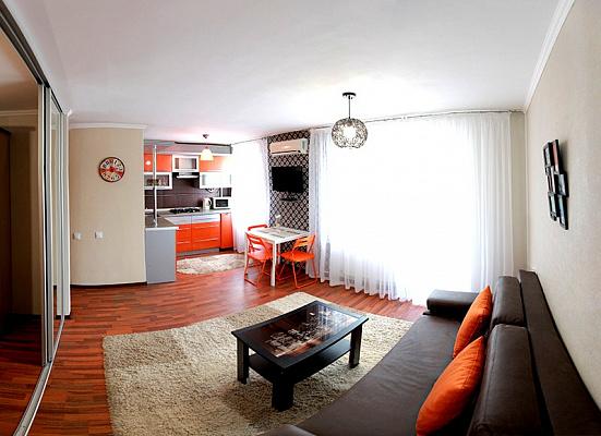 1-комнатная квартира посуточно в Николаеве. Заводской район, ул. Московская, 54а. Фото 1
