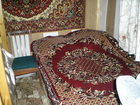 1-комнатная квартира посуточно в Славянске. ул.Рапно-Набережная, 17. Фото 1