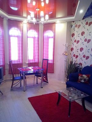 1-комнатная квартира посуточно в Запорожье. Ленинский район, пр-т Соборный, 175. Фото 1