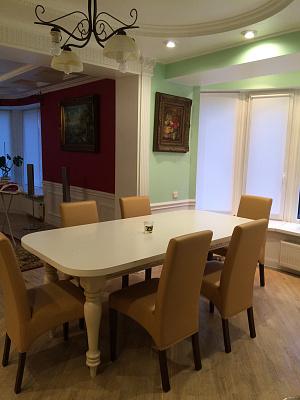 3-комнатная квартира посуточно в Ивано-Франковске. ул. Карпатской Сечи, 8. Фото 1