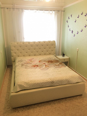 2-комнатная квартира посуточно в Ильичёвске. ул. Александрийская, 12. Фото 1