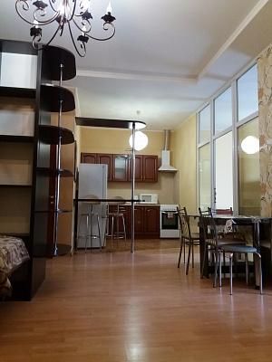 3-комнатная квартира посуточно в Одессе. Приморский район, ул. Малая Арнаутская, 105/1. Фото 1