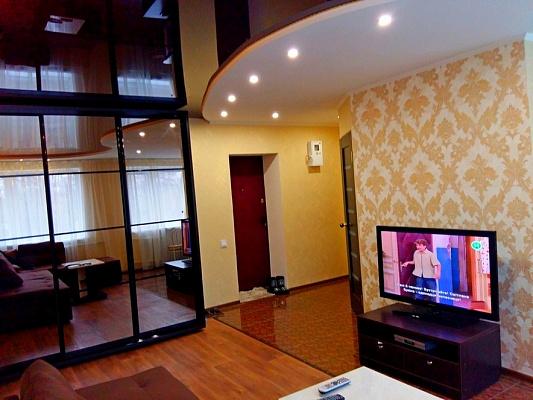 2-комнатная квартира посуточно в Черкассах. ул. Верхняя Горовая, 52. Фото 1