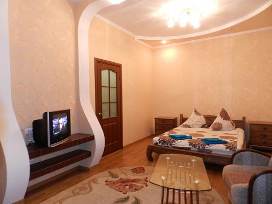 1-комнатная квартира посуточно в Запорожье. Орджоникидзевский район, пр-т Соборный, 174а. Фото 1