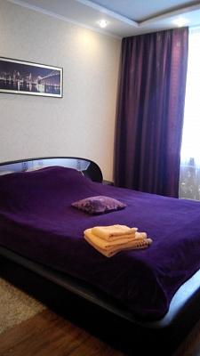 1-комнатная квартира посуточно в Чернигове. Деснянский район, ул. Пятницкая, 36. Фото 1