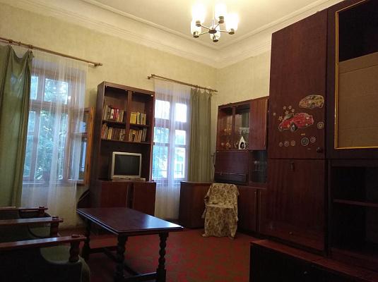 1-комнатная квартира посуточно в Одессе. Приморский район, ул. Нежинская, 46. Фото 1
