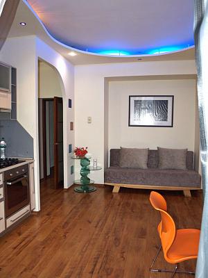2-комнатная квартира посуточно в Харькове. Дзержинский район, пр-т Науки, 12. Фото 1