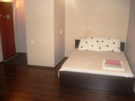 1-комнатная квартира посуточно в Мариуполе. Центральный район, пр-т Мира, 106. Фото 1