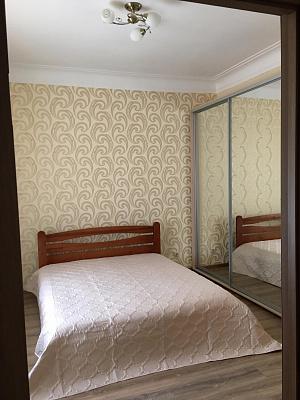 2-комнатная квартира посуточно в Запорожье. Орджоникидзевский район, пр-т Ленина, 190. Фото 1