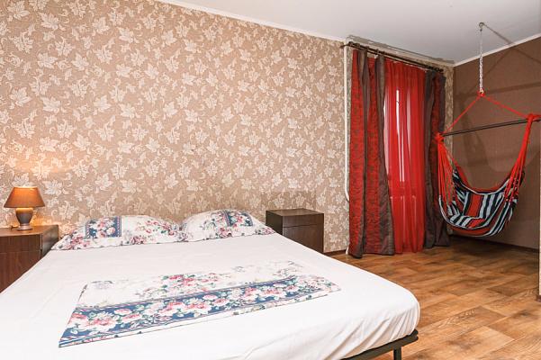 2-комнатная квартира посуточно в Киеве. Святошинский район, ул. Якуба Коласа, 9. Фото 1