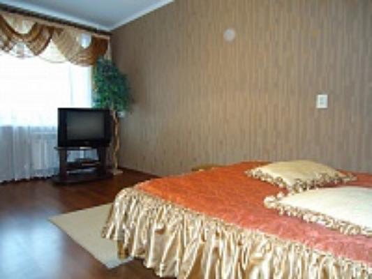 1-комнатная квартира посуточно в Луцке. ул. Кравчука, 22. Фото 1