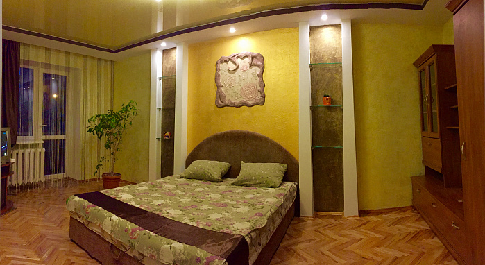 1-комнатная квартира посуточно в Луцке. пр-т Президента Грушевского, 29. Фото 1