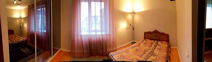 2-комнатная квартира посуточно в Луцке. ул. Ивана Франко, 2а. Фото 1