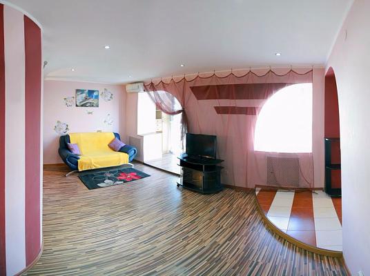 1-комнатная квартира посуточно в Николаеве. Центральный район, пр-т Центральный, 171. Фото 1