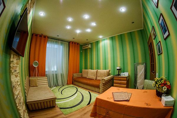 1-комнатная квартира посуточно в Полтаве. Октябрьский район, ул. Раисы Кириченко, 20. Фото 1