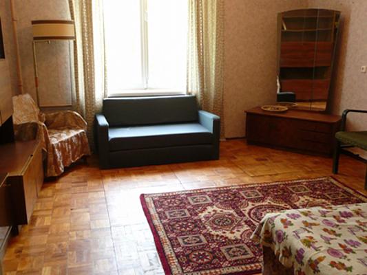 2-комнатная квартира посуточно в Ахтырке. ул. Армейская (Красноармейская), 80. Фото 1