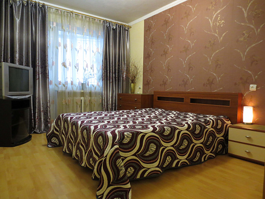 2-комнатная квартира посуточно в Белой Церкви. ул. Водопойная, 19. Фото 1