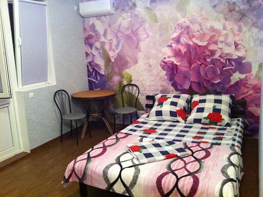 1-комнатная квартира посуточно в Гурзуфе. ул. Подвойского, 38. Фото 1