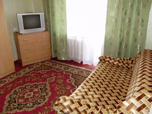 1-комнатная квартира посуточно в Нежине. ул. Корчагина, 3. Фото 1