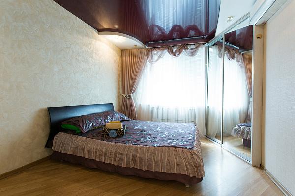 2-комнатная квартира посуточно в Харькове. Дзержинский район, пр-т Науки, 21-А. Фото 1