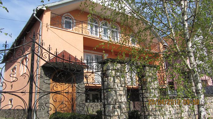 Дом  посуточно в Берегово. ул. Молодежная, 13. Фото 1