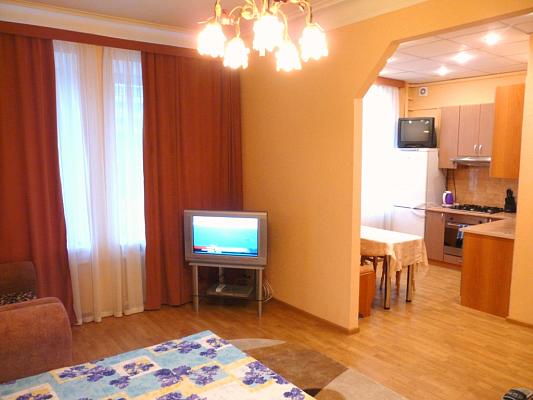 1-комнатная квартира посуточно в Киеве. Печерский район, б-р Леси Украинки, 29. Фото 1