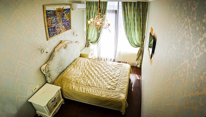 3-комнатная квартира посуточно в Одессе. Приморский район, ул. Греческая, 1-А. Фото 1