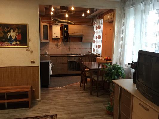 2-комнатная квартира посуточно в Херсоне. Корабельный район, Корабельный спуск, 12. Фото 1