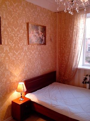 1-комнатная квартира посуточно в Одессе. Приморский район, ул. Дворянская, 22. Фото 1