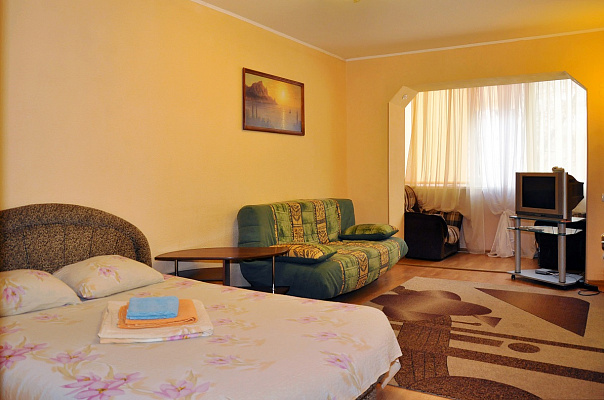 1-комнатная квартира посуточно в Киеве. Печерский район, пер. Бутишев, 17. Фото 1