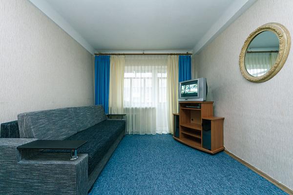 1-комнатная квартира посуточно в Киеве. Днепровский район, б-р Верховного Совета, 22Б. Фото 1