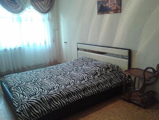 1-комнатная квартира посуточно в Житомире. ул. Михаила Грушевского, 27. Фото 1