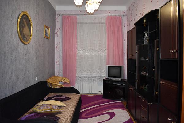 2-комнатная квартира посуточно в Львове. Лычаковский район, ул. Палия, 11. Фото 1