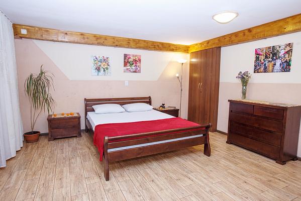 1-комнатная квартира посуточно в Каменце-Подольском. ул. Голосковская, 20. Фото 1