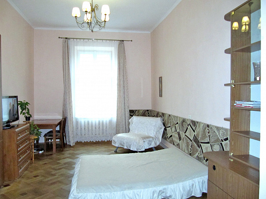 1-комнатная квартира посуточно в Львове. Франковский район, ул. Генерала Чупринки, 40. Фото 1