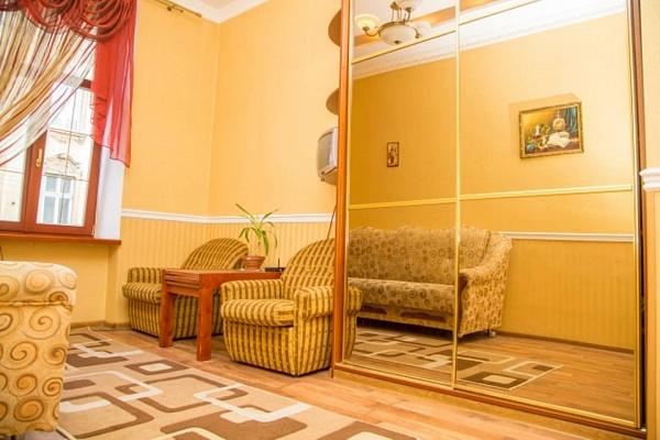 1-комнатная квартира посуточно в Львове. Франковский район, ул. Нечуй-Левицкого, 11а. Фото 1