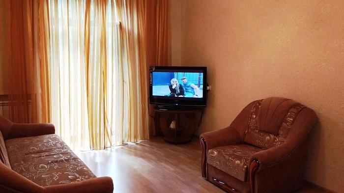 2-комнатная квартира посуточно в Киеве. Печерский район, ул. Большая Васильковская, 67/7. Фото 1
