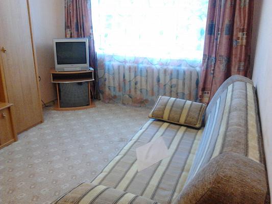 1-комнатная квартира посуточно в Симферополе. Центральный район, ул. Кирова, 12а. Фото 1