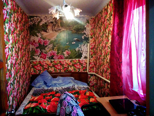 Мини-отель  посуточно в Бердянске. толстого, 120. Фото 1