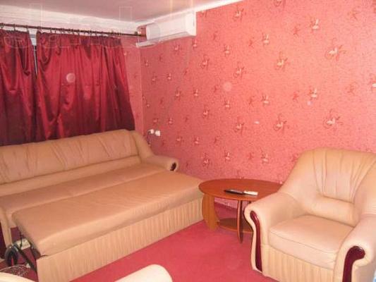 3-комнатная квартира посуточно в Феодосии. ул. Боевая, 58. Фото 1