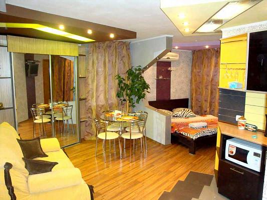 1-комнатная квартира посуточно в Херсоне. Суворовский район, ул. Тираспольская, 7. Фото 1