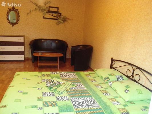 1-комнатная квартира посуточно в Макеевке. ул. Московкая, 62. Фото 1