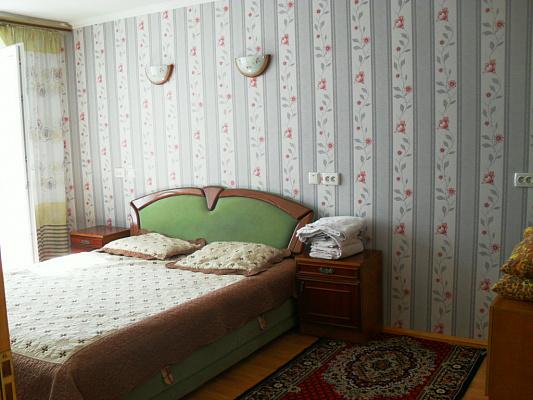 1-комнатная квартира посуточно в Черновцах. Шевченковский район, пр-т Независимости, 115. Фото 1