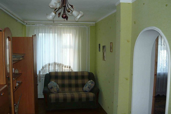3-комнатная квартира посуточно в Бердянске. Ленинградская0. Фото 1