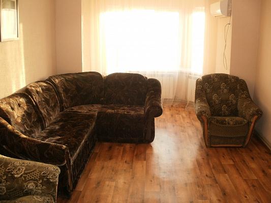 2-комнатная квартира посуточно в Полтаве. Киевский район, ул. Гожулянская, 24. Фото 1