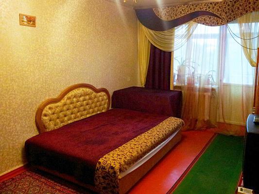 2-комнатная квартира посуточно в Славянске. ул. Королёва, 23. Фото 1